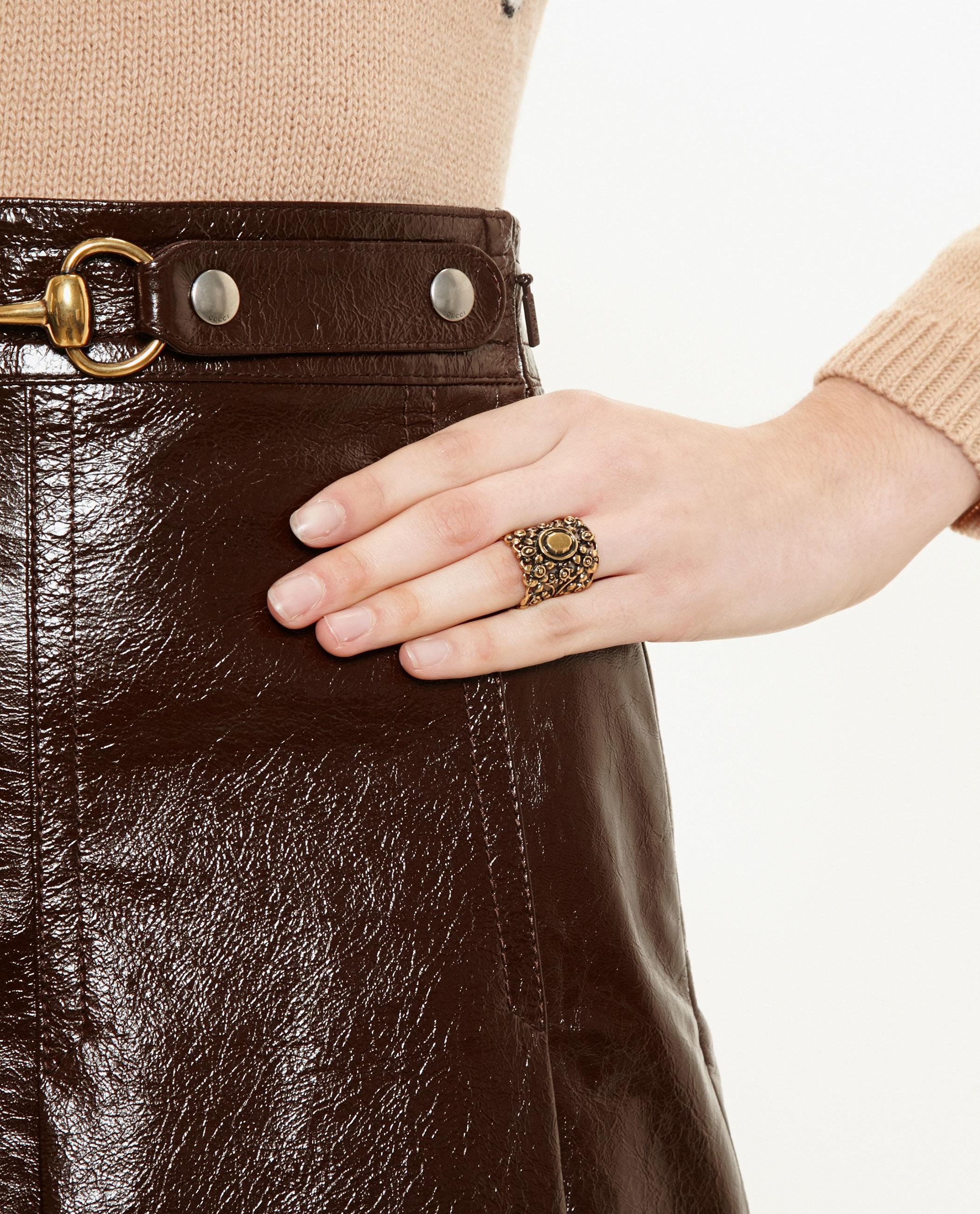 aeb7088da74f24 Lyst - Gucci Antique Gold Ring in Metallic