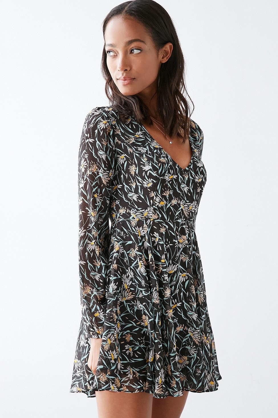 2f5504f1cb5e cheap desert nights mini dress f1ea2 65608; coupon kimchi blue poppy deep v  dress in white lyst 41260 289e2