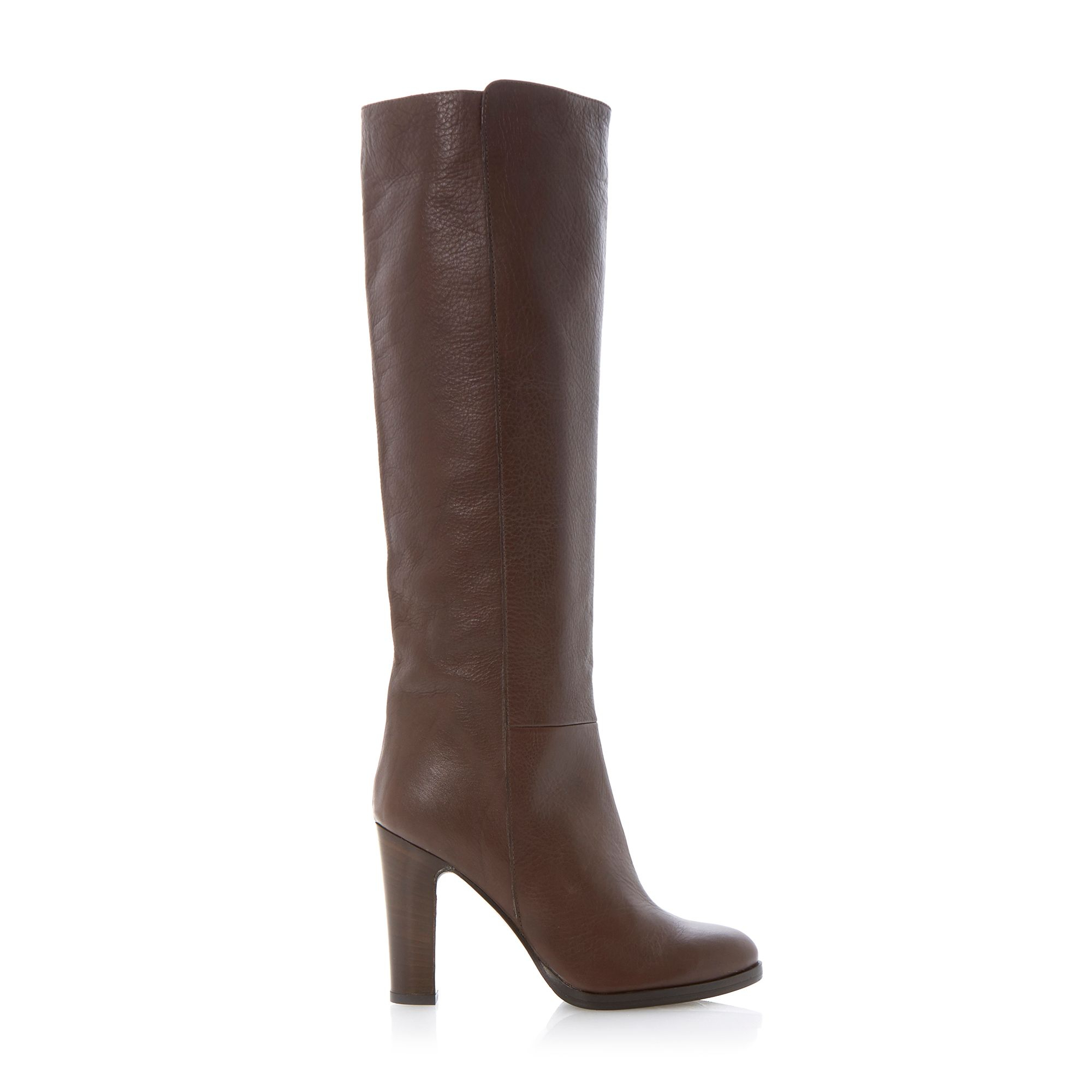 Knee High Boots Creating a splash with your shoes is easy when you wear a pair of knee high boots from Sinful Shoes. Our selection of stylish designs will have others doing a .