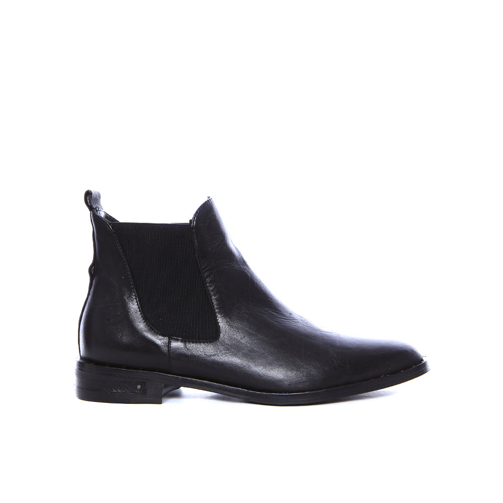 Free shipping BOTH ways on Chelsea Boots, Black, from our vast selection of styles. Fast delivery, and 24/7/ real-person service with a smile. Click or call