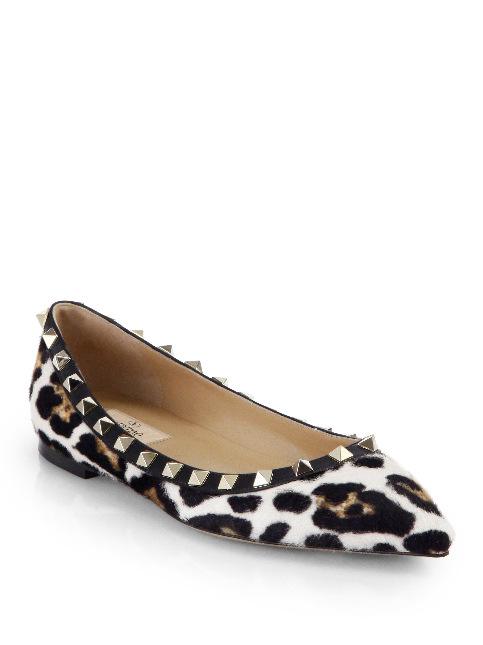 This dainty bowed beauty rounds up the top three on our list of the most comfortable ballet flats for travel, beautifully combining fashion and function, especially for business trips. For a lovely neutral Leopard Print, try the F-Pop Ballerina Leather Flat. This .
