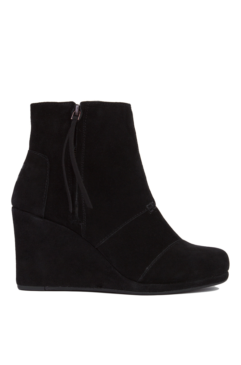 toms desert wedge high ankle boots black suede in black