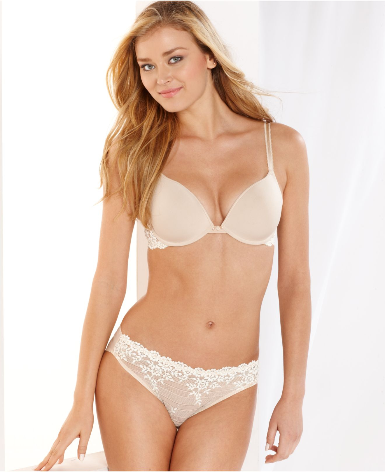 Wacoal Embrace Lace Push Up Bra 858191 in White | Lyst