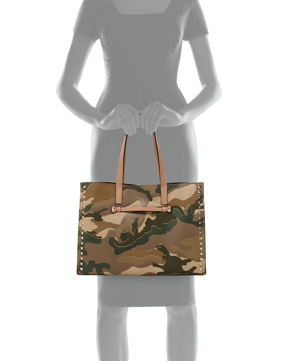 823848e6a2b Gallery. Previously sold at: Neiman Marcus · Women's Valentino Camo Women's Valentino  Camo Bag Women's Valentino Rockstud Bags