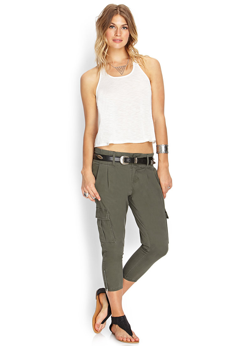 Forever 21 High Desert Cargo Capris in Green | Lyst