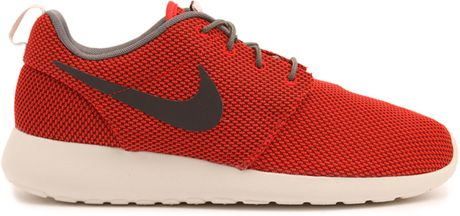 roshe runs men red
