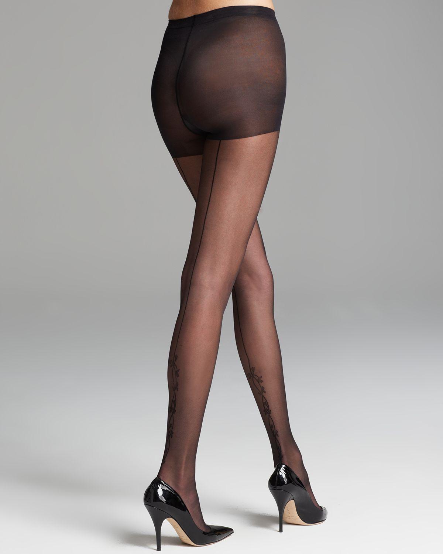Sheer black pantyhose can not