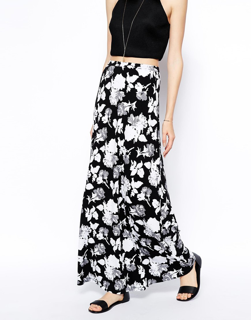 a2349843aa ASOS Maxi Skirt In Mono Floral Print in Black - Lyst