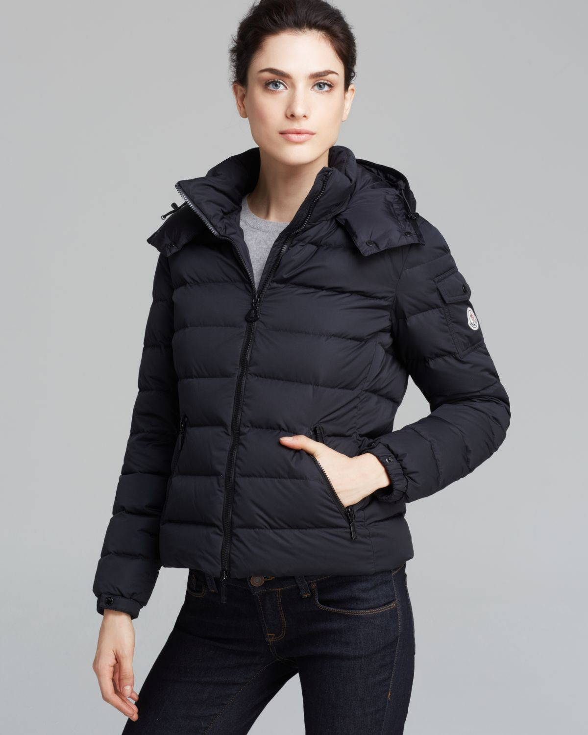 Moncler Badymat Short Down Jacket in Black | Lyst