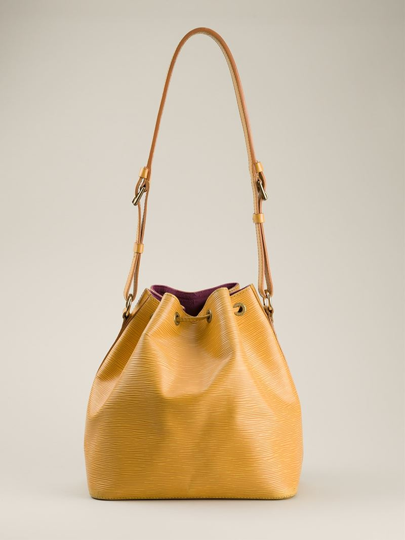 3a81e469d677 Gallery. Previously sold at  Farfetch · Women s Bucket Bags ...
