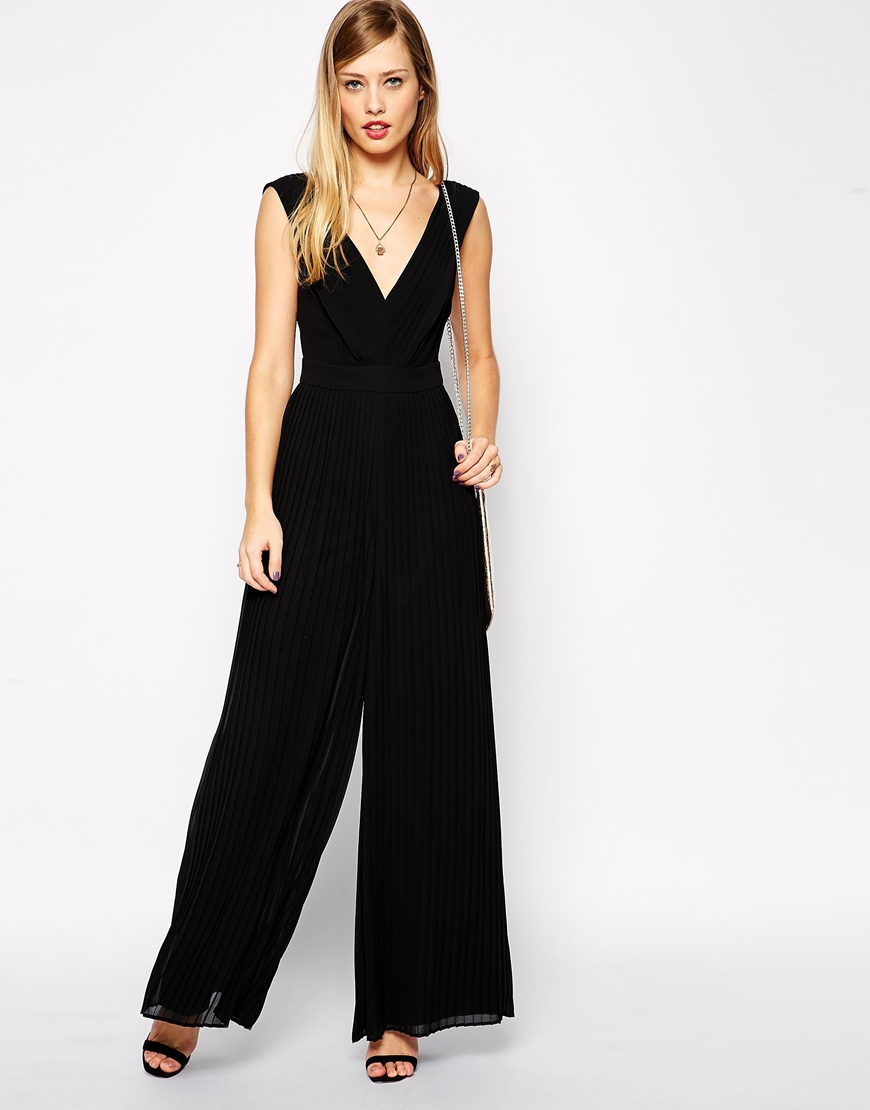 Lyst Asos 70 S Jumpsuit With Pleats In Black