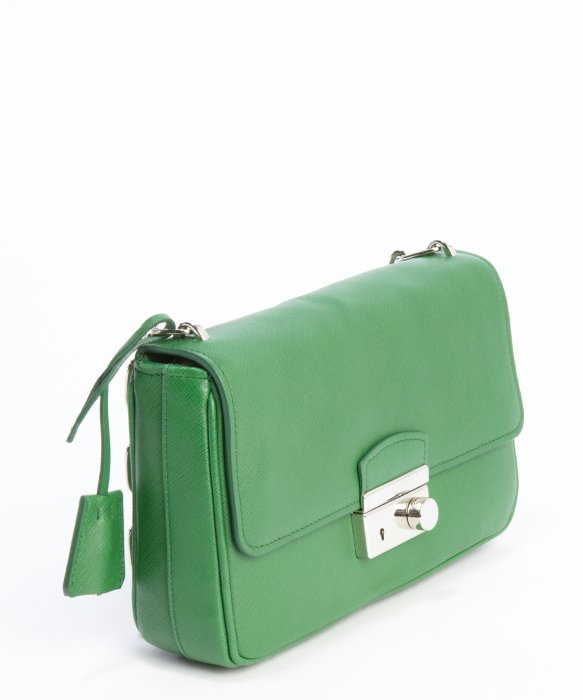 Prada Green Saffiano Leather Chainlink Shoulder Bag in Green | Lyst
