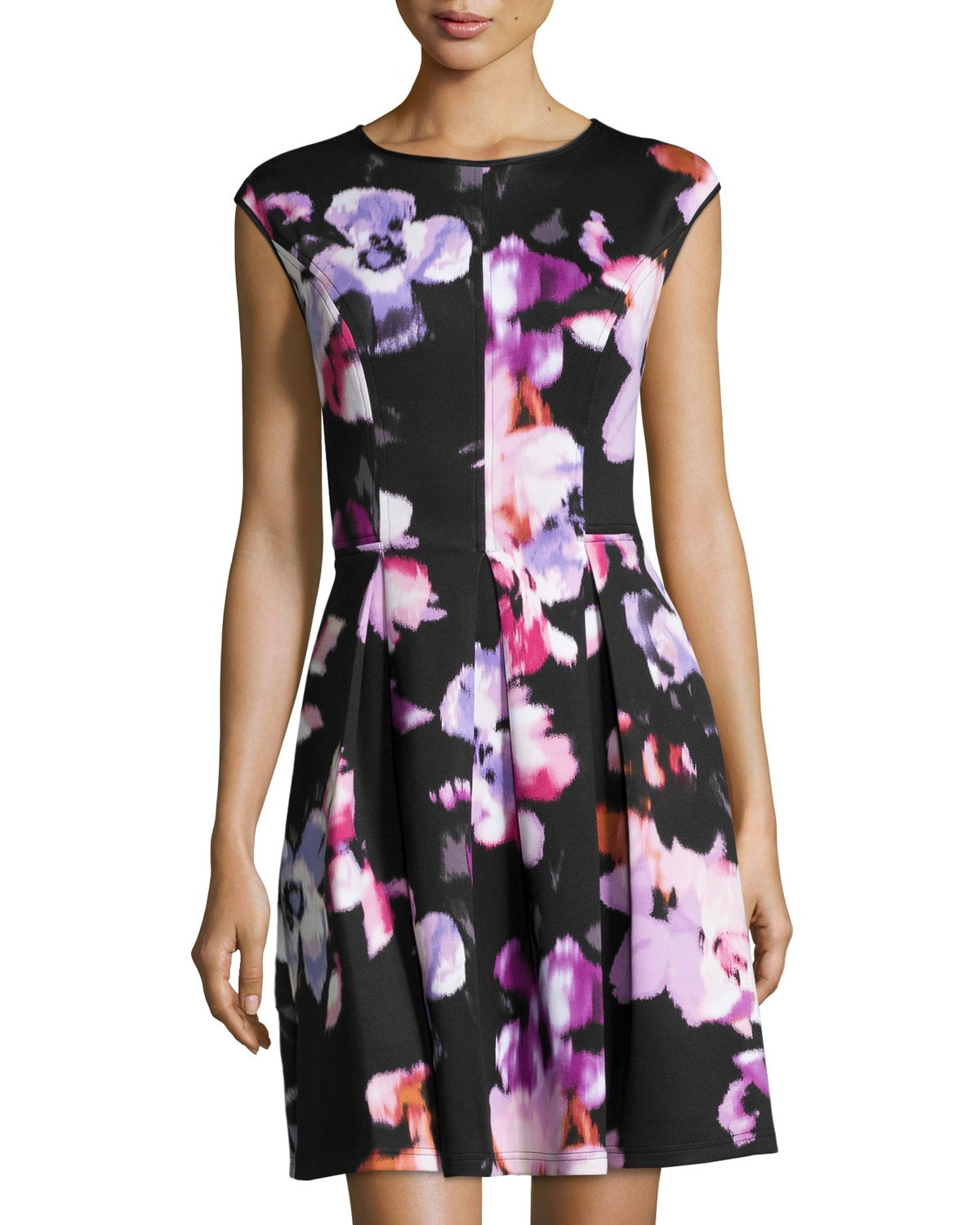 Lyst - Maggy London Fitted Floral Scuba Dress in Black