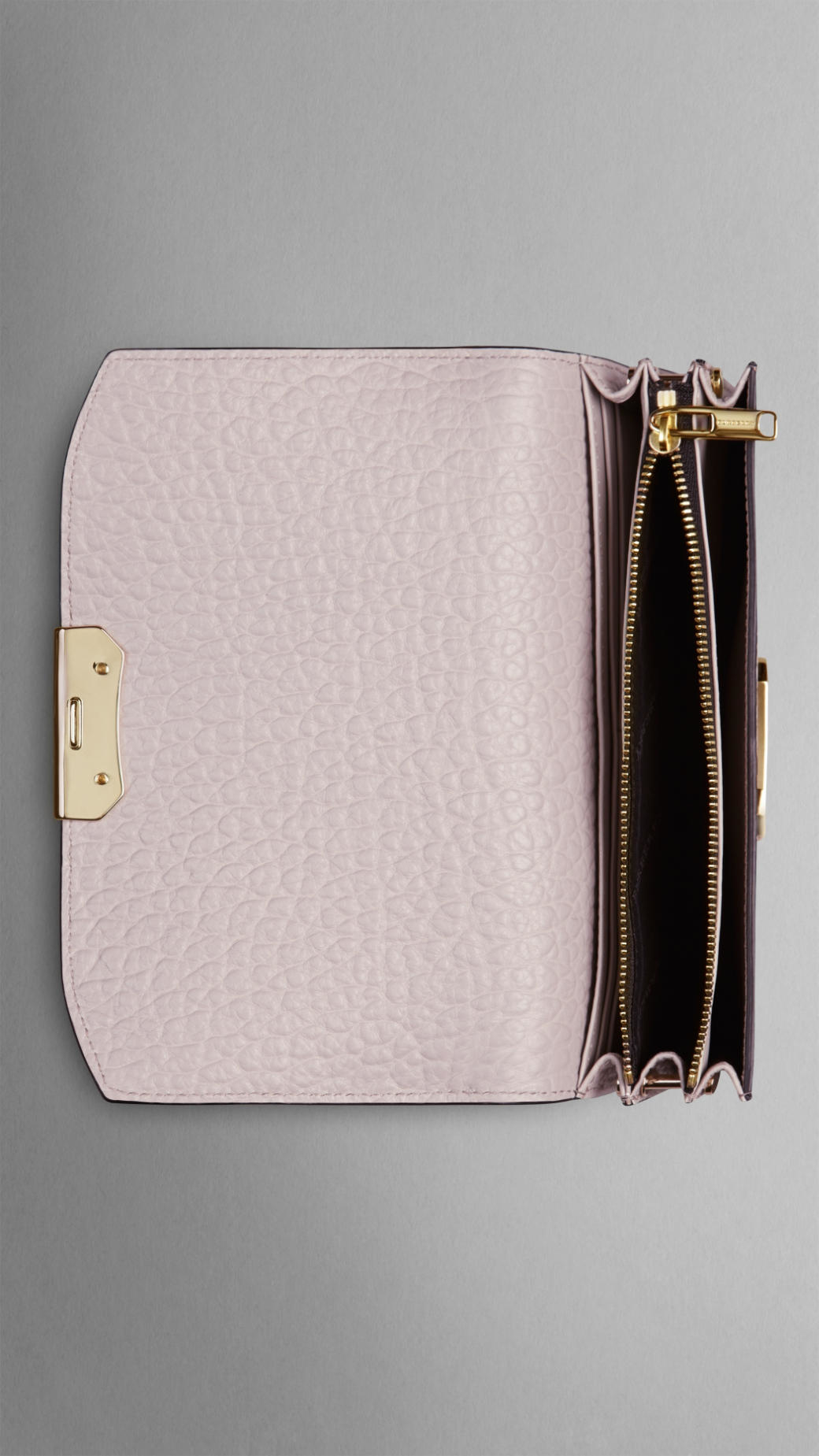 584fc72e6f00 Lyst - Burberry Small Signature Grain Leather Clutch Bag With Chain ...