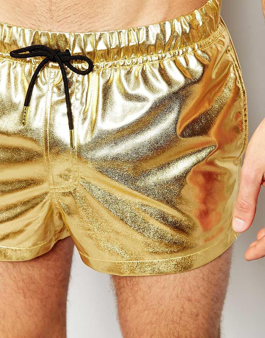 57ba8a2e9b ASOS Swim Shorts In Metallic Gold Short Length in Metallic for Men - Lyst