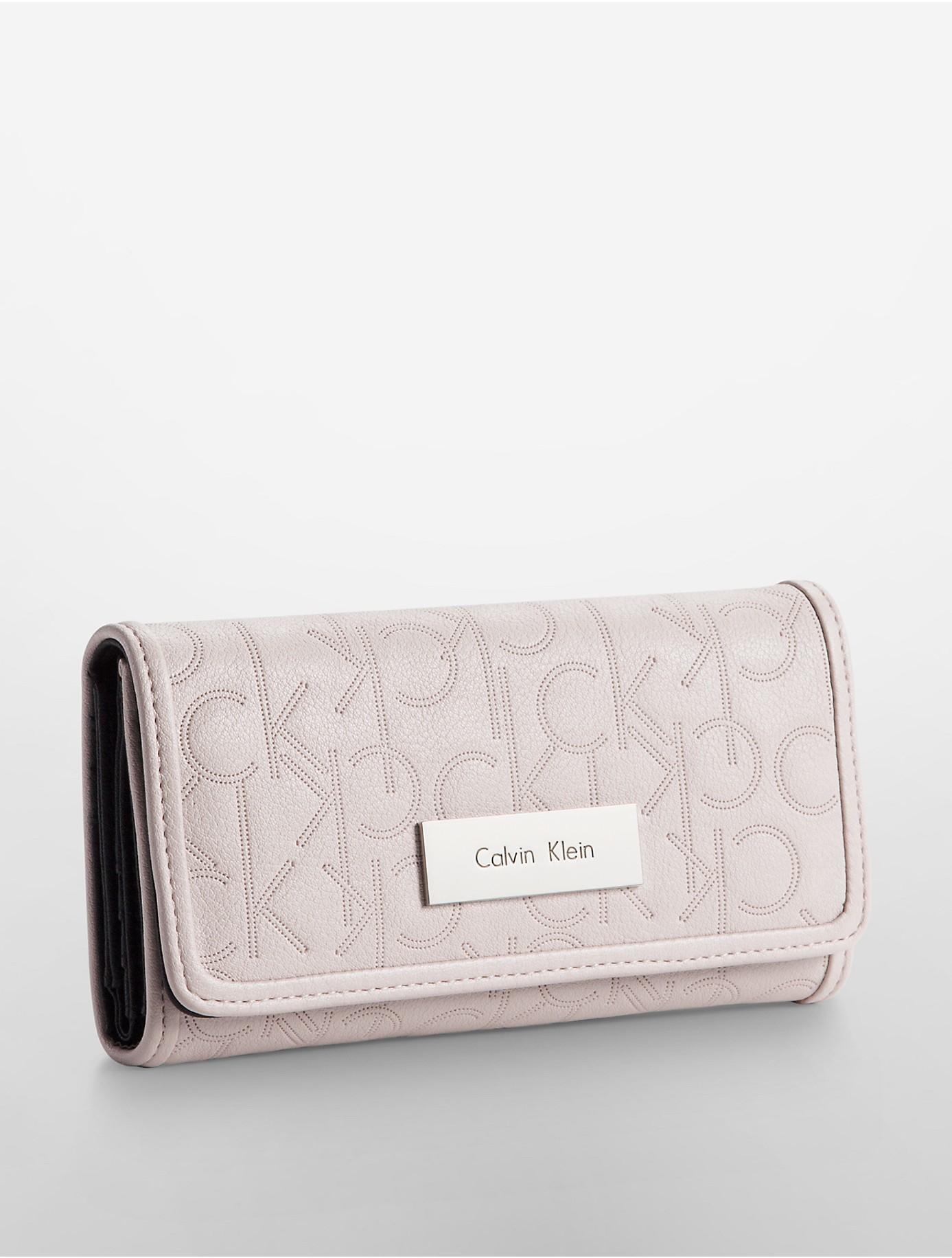 Calvin Klein Sadie Trifold Mega Continental Wallet In Pink