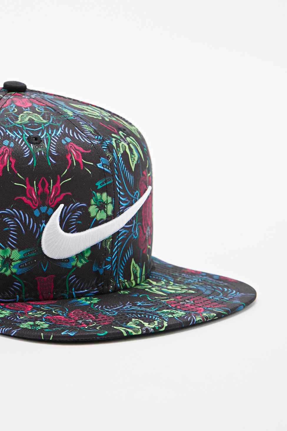 ca0d2449c46 ... best price nike pro floral snapback cap in green and pink for men lyst  66a05 cdb36