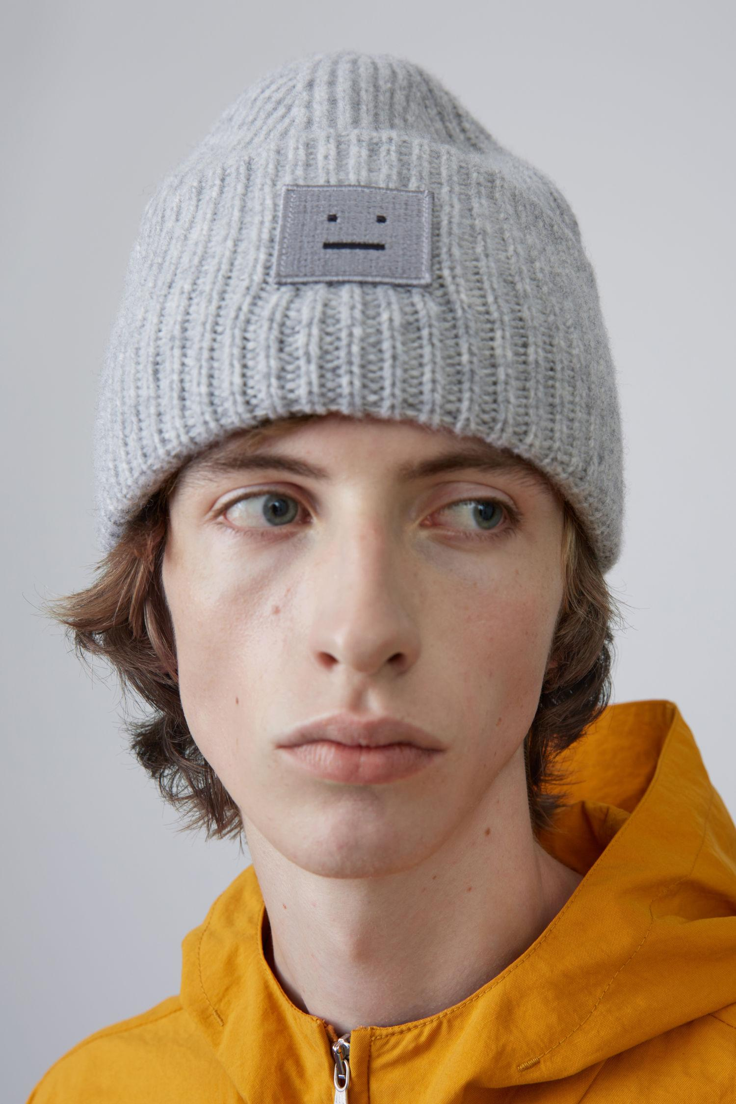 Pansy S Face ribbed-knit beanie hat Acne Studios XufPDaL0Fr