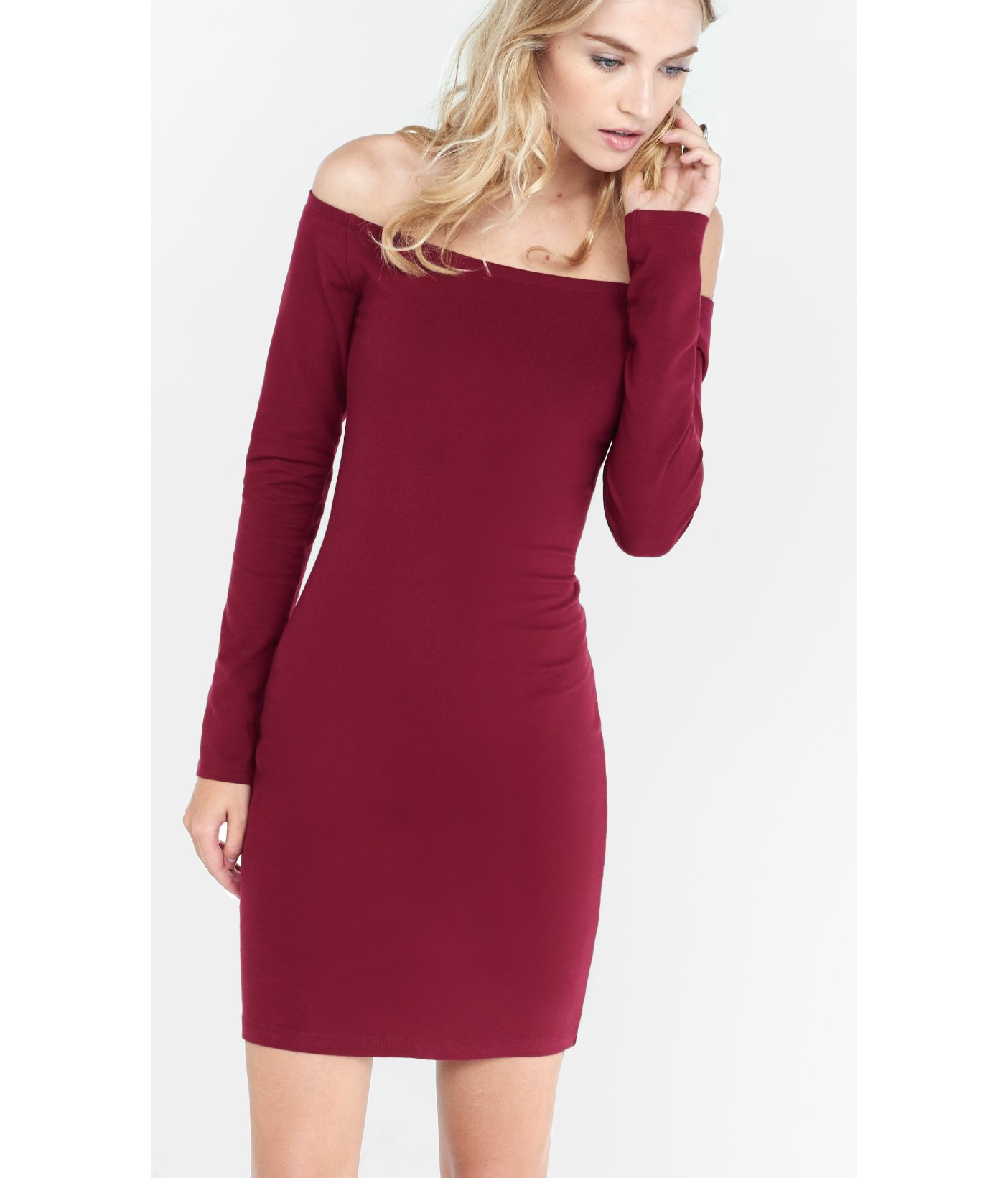 fdca161176f4 Express Berry Fitted Off The Shoulder Dress in Purple - Lyst