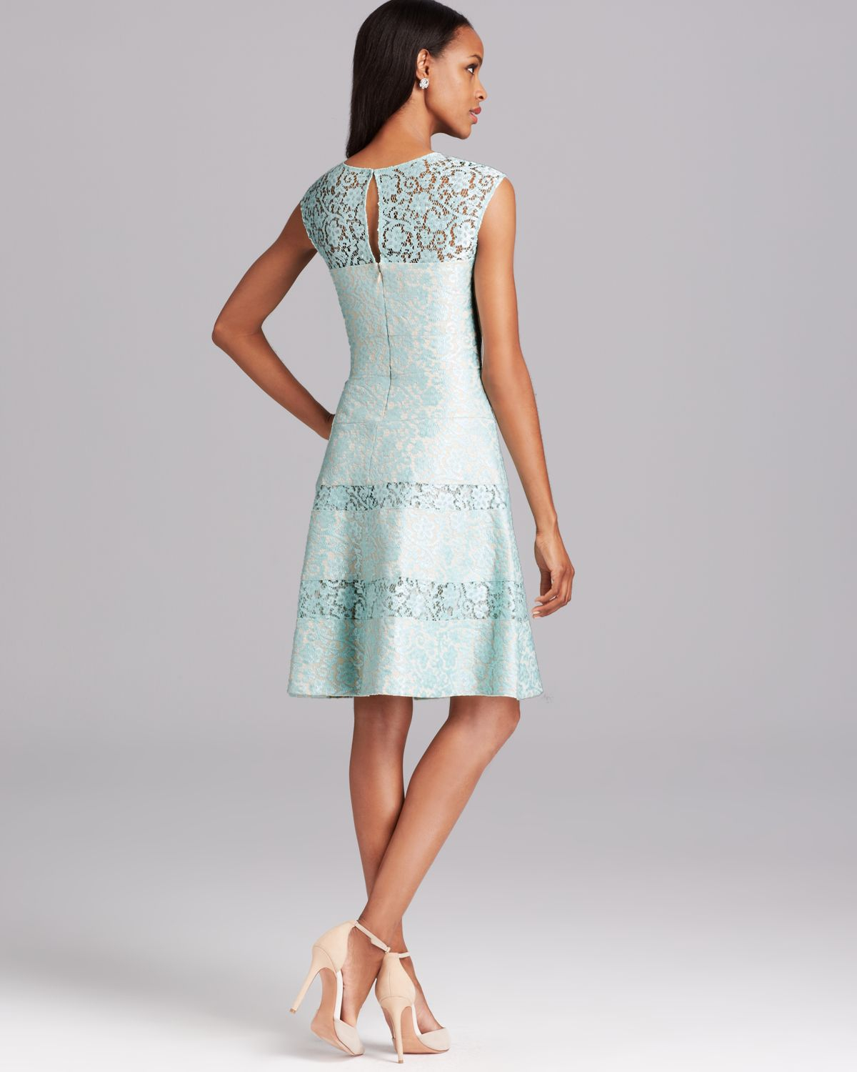 Lyst - Kay Unger Dress Bonded Lace in Green