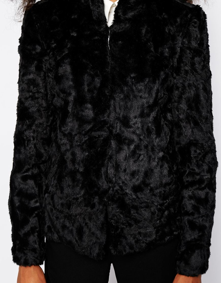 lyst vero moda faux fur jacket in black. Black Bedroom Furniture Sets. Home Design Ideas