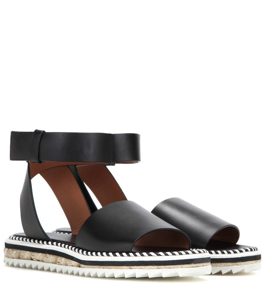 Givenchy Leather Sandals LylaZZ