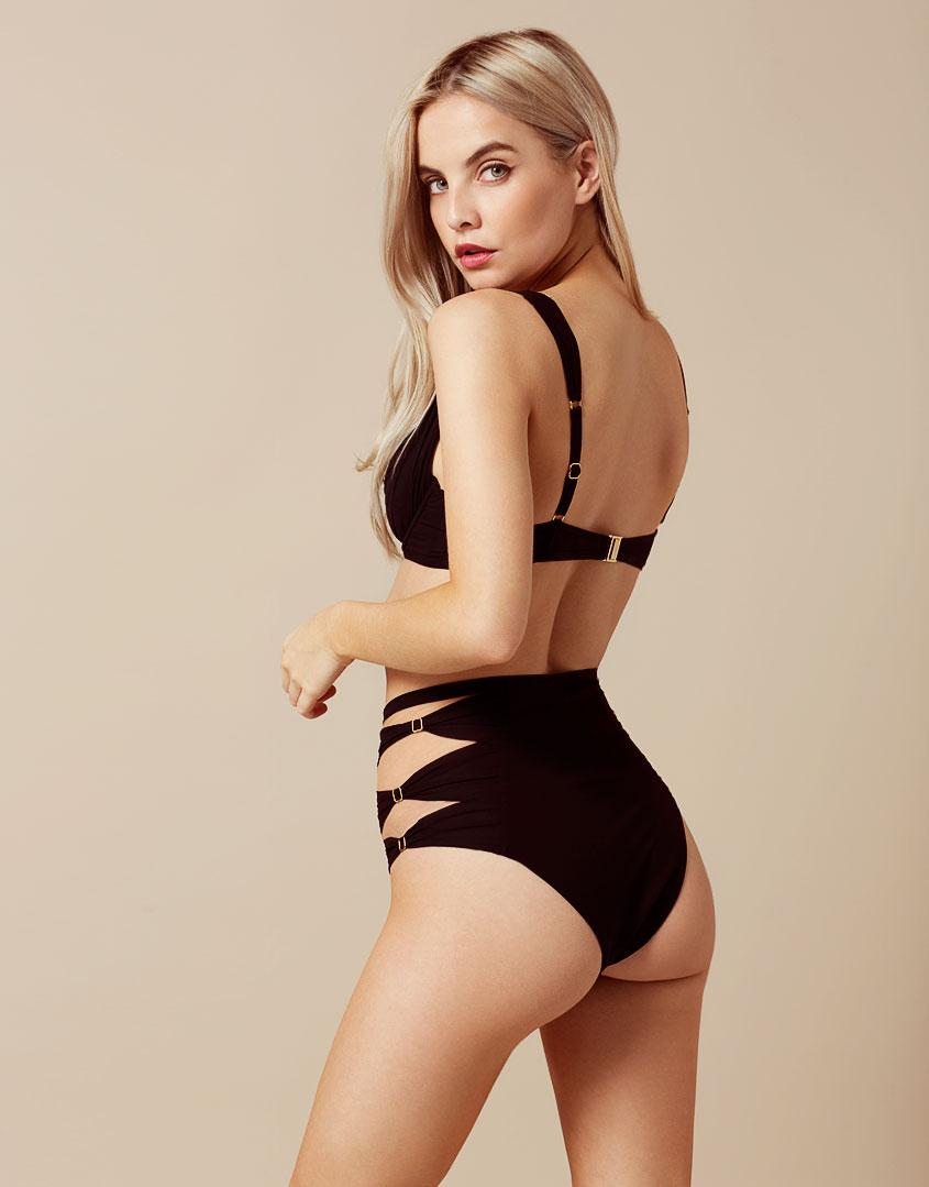 b8824ba12e Agent Provocateur Fergie Bikini Top Black in Black - Lyst
