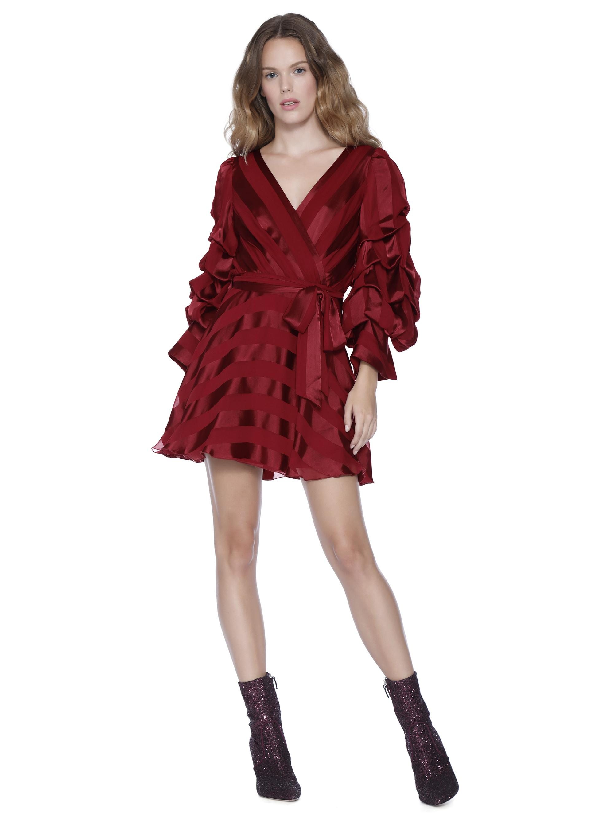 632728eea1bd1 Lyst - Alice + Olivia Santina Tuck Sleeve Shirt Dress in Red