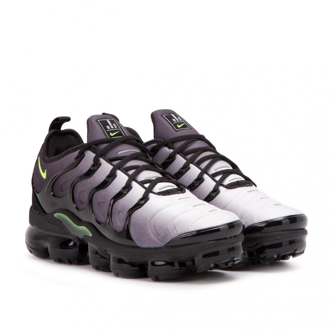2ba7c35833474 Lyst - Nike Nike Air Vapormax Plus in Black for Men