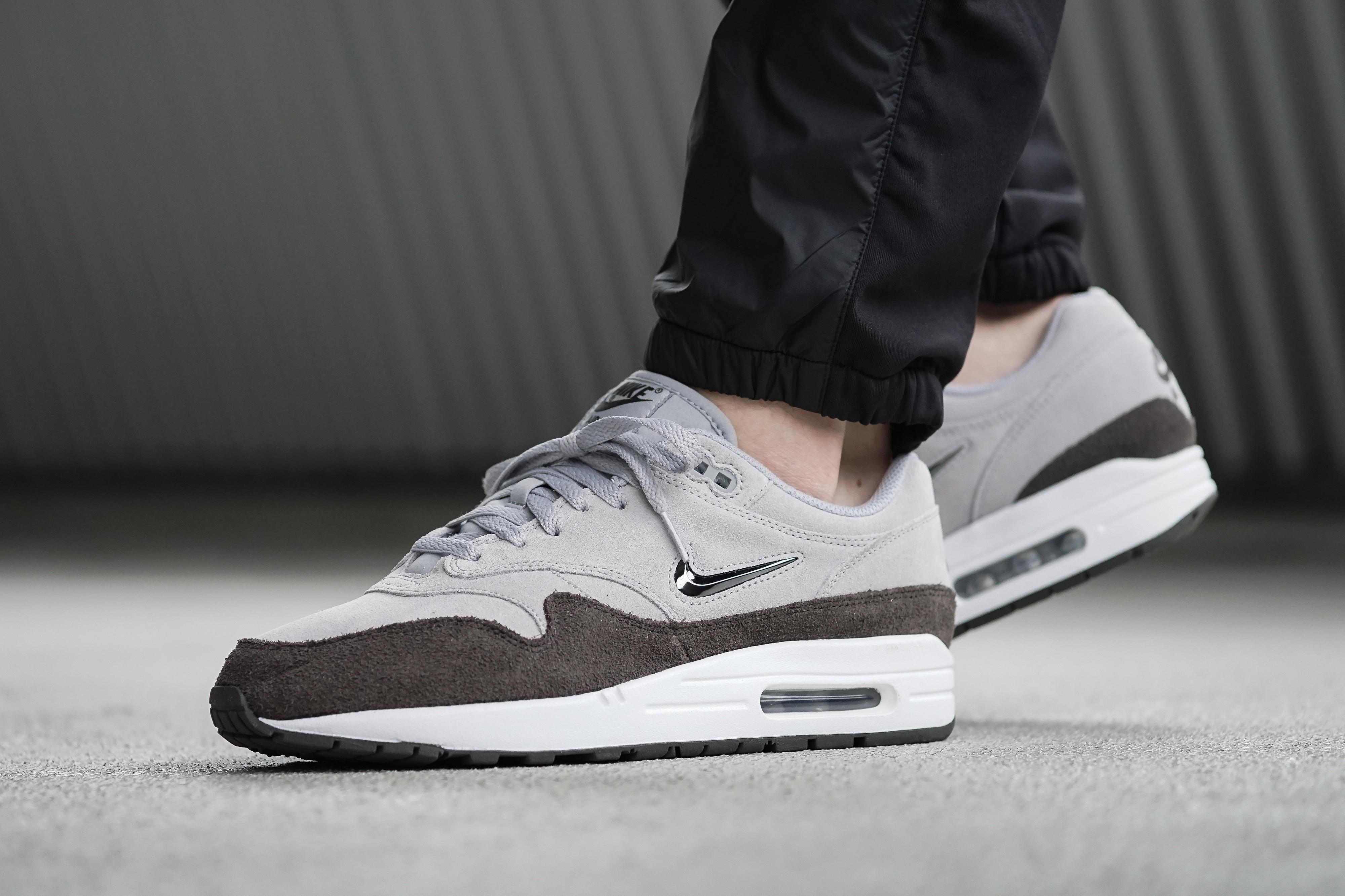 899ec215a862 Gallery. Previously sold at  Allike · Men s Nike Air Max Men s Hoka One ...