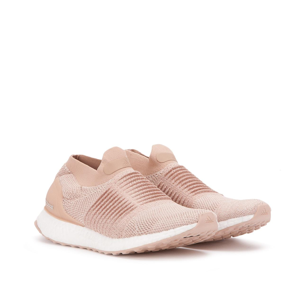 1be6735852ec5 adidas Ultra Boost Laceless W in Pink - Save 56.115107913669064% - Lyst