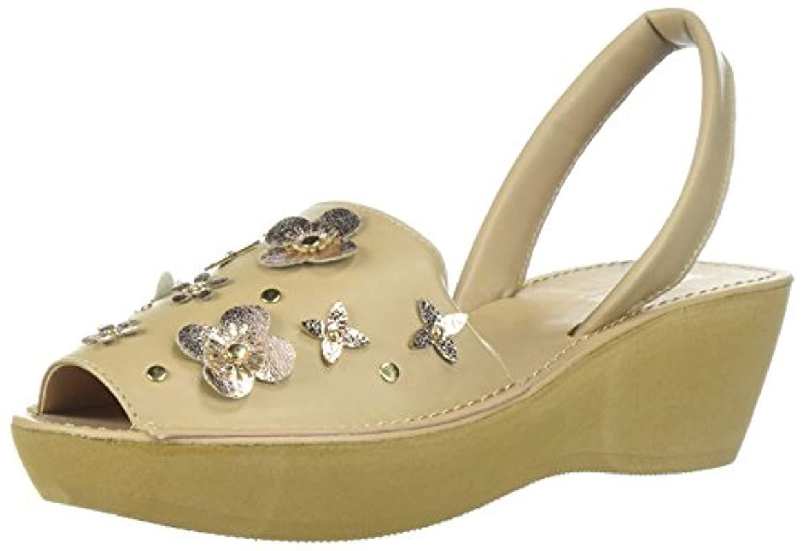 dadb42afb8 Kenneth Cole Reaction. Women's Natural Fine Glass Floral Platform Sandal