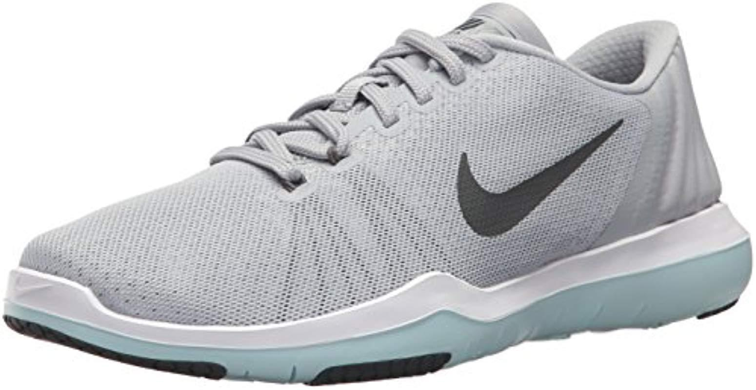 11acac80070c Lyst - Nike  s Wmns Flex Supreme Tr 5 Sneakers in Gray - Save 27%