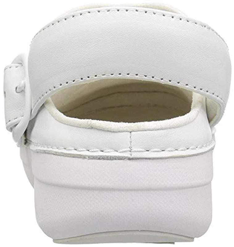 ba972acd4912 Fitflop - White Gogh Pro In Leather Medical Professional Shoe for Men -  Lyst. View fullscreen