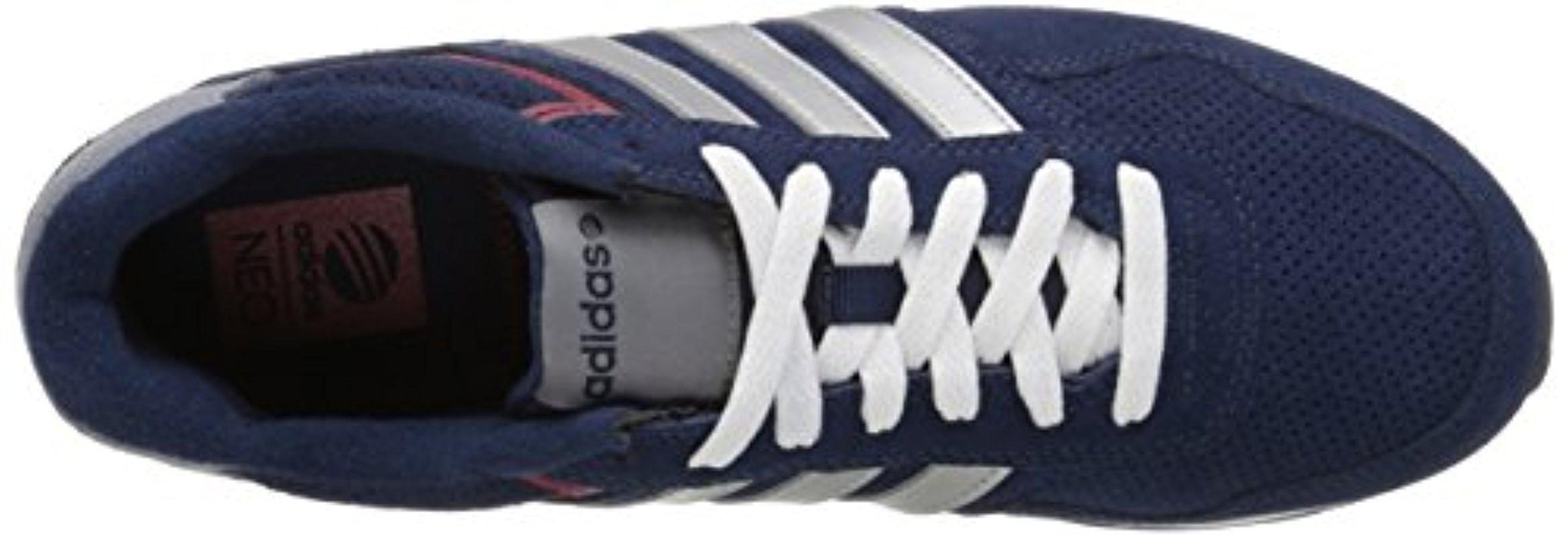 lyst adidas 10km stile di vita runner scarpe da ginnastica in blu per gli uomini