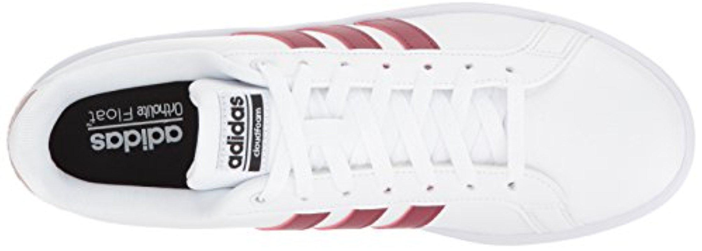 lyst adidas originali cloudfoam vantaggio della scarpa in bianco.