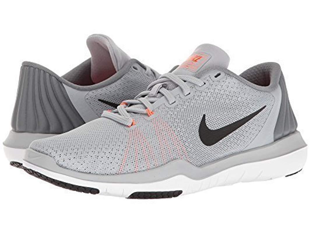 e01724f78f9f Nike Wmns Flex Supreme Tr 5 Sneakers in Gray - Lyst