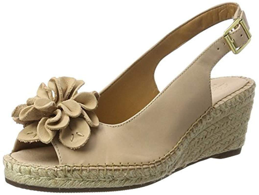 7face972165c Clarks Petrina Bianca Wedge Heels Sandals in Natural - Lyst
