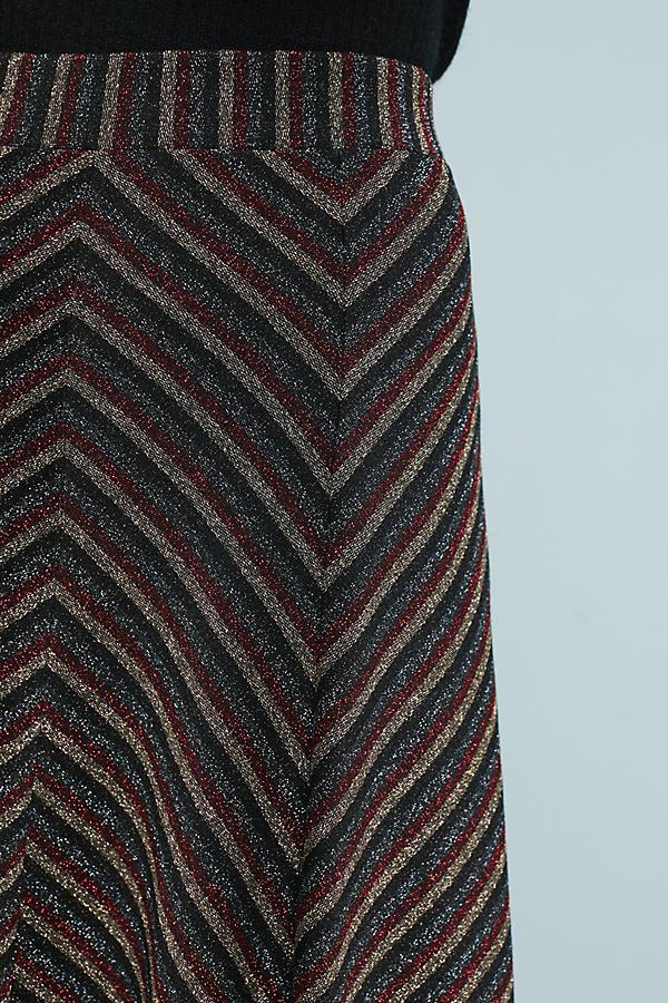 6df7663f9303 Maeve Chevron Shine Skirt in Black - Lyst