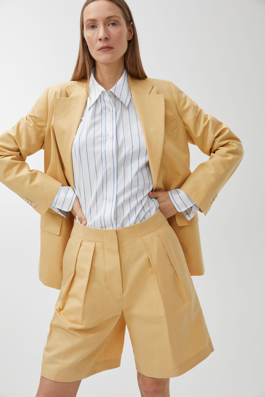 Arket Yellow Shorts Linen In Cotton Lyst Tailored VUpzGqSM