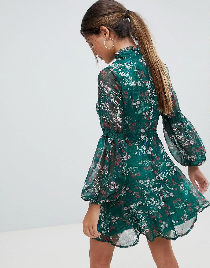 d821ee771eab Missguided Floral Print Long Sleeve Skater Dress in Green - Lyst
