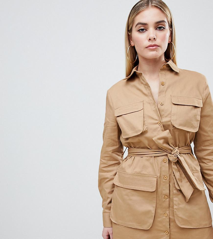 765d70aa53 Robe chemise courte fonctionnelle PrettyLittleThing en coloris ...