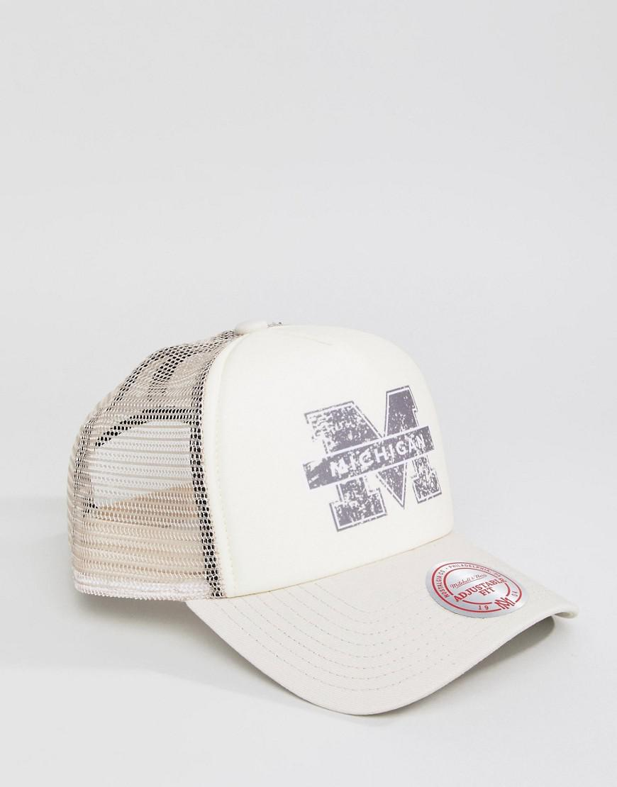 Mitchell   Ness Distressed Trucker Cap Michigan Exclusive To Asos in  Natural for Men - Lyst c295b7d0432
