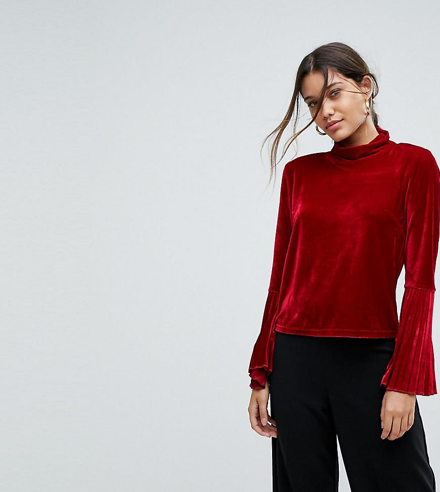 af3f7bd370d Lyst - Aeryne Velvet Top With Pleated Sleeves in Red