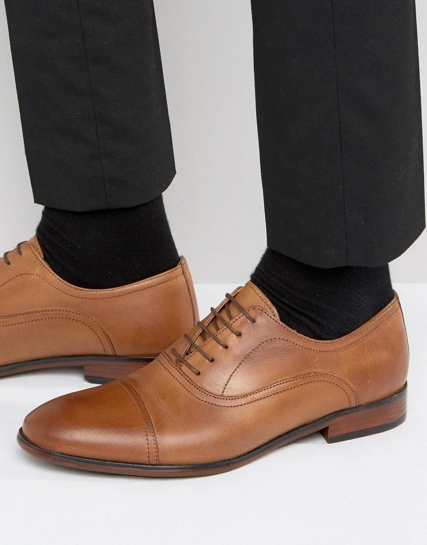 Red Tape Toe Cap Oxford Shoes In Tan Leather