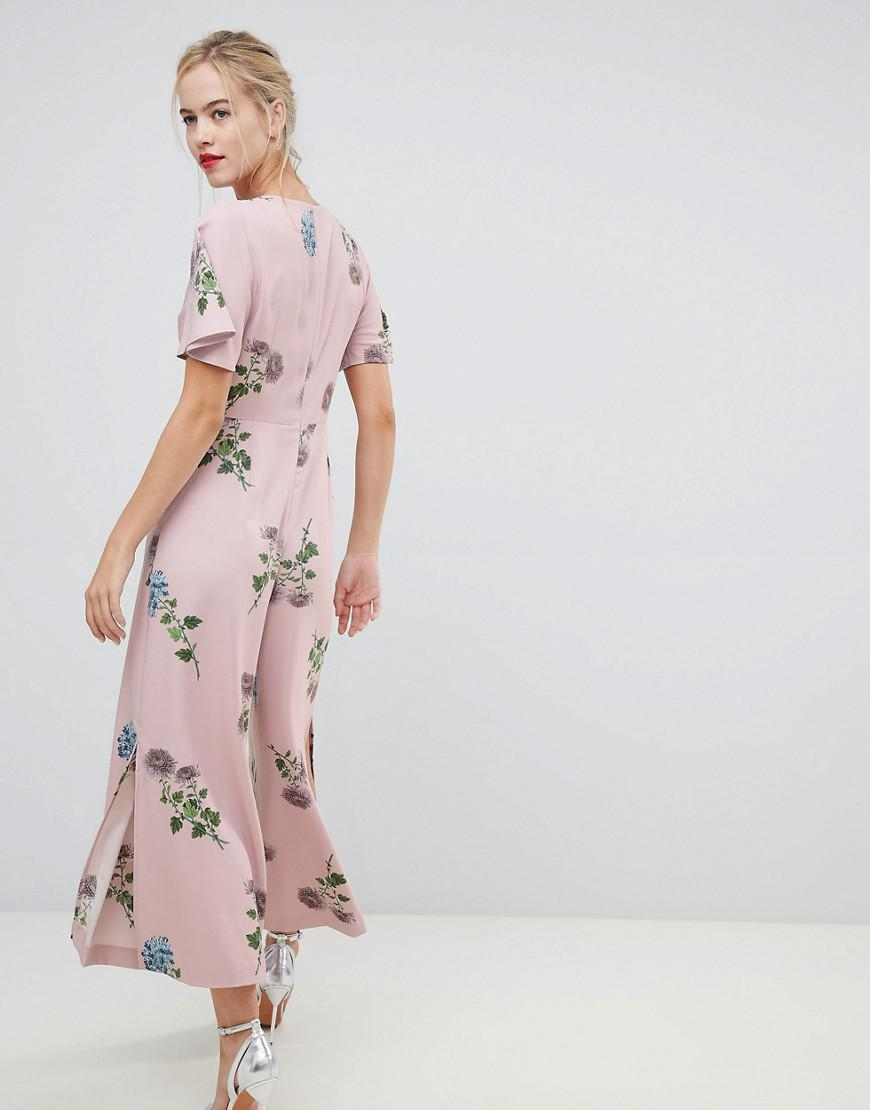 2e51666b0936 Oasis Jumpsuit With Split Leg In Floral Print in Pink - Lyst