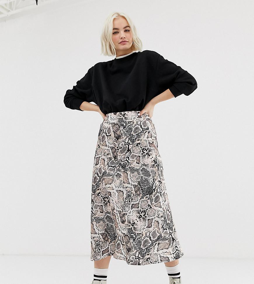 d378ef47e46 Lyst - New Look Satin Bias Cut Midi Skirt In Snake Print in Gray