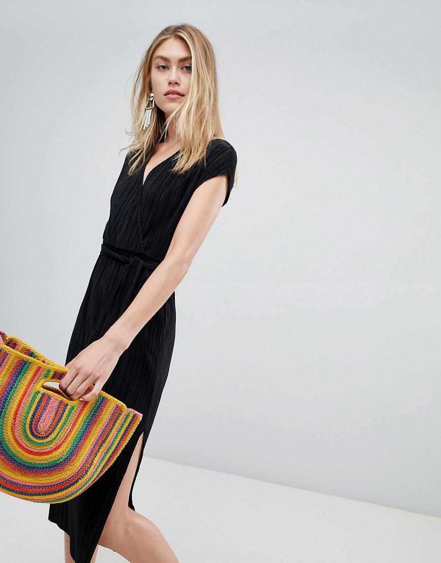 e0100d8820 Bershka Plisse Wrap Dress in Black - Lyst