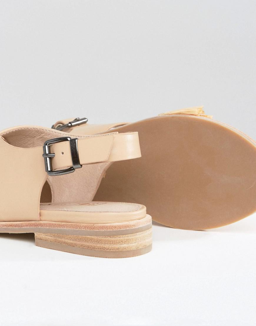 Marla Cross Strap Leather Flat Sandals - Natural Sol Sana