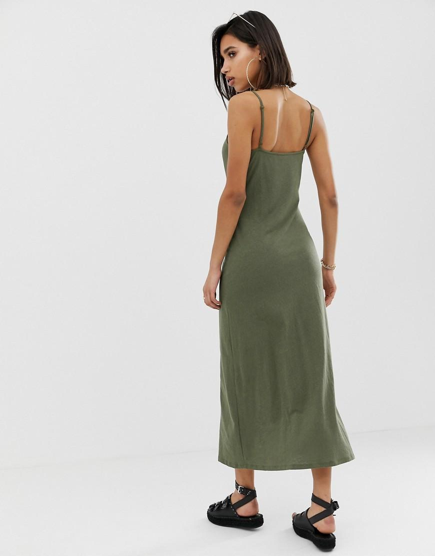 0fa82cfbc29 ASOS Maxi Slubby Cami Swing Dress With Faux Wood Buttons in Green - Lyst
